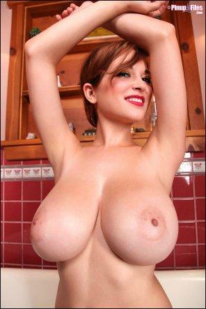 amateur photo Lovely tits