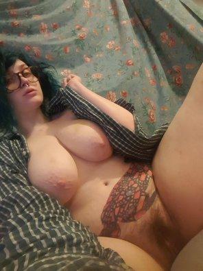 amateur photo Tits, bush, no makeup