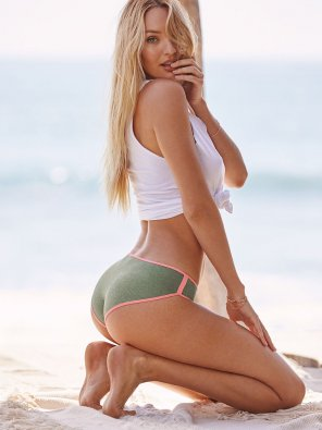 amateur photo Candice Swanepoel