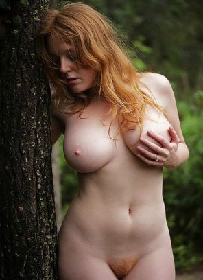 amateur photo curvy redhead with red pubes