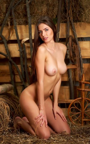 amateur photo Farmer girl