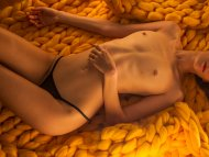 Cuddly yellow knitted blanket ;)