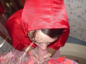amateur photo red riding hood sucks dick