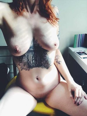 amateur photo [F] Would you like to find me sitting at your desk? Or maybe under it ;)