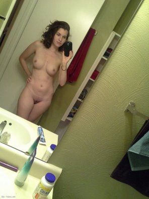 amateur photo Fantastic Brunette Nakedness