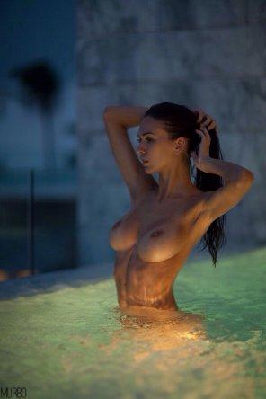 amateur photo Pool boobs