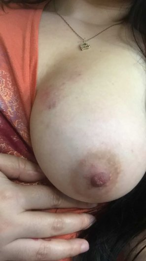 amateur photo What you think of my girls boob?