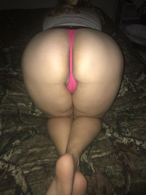 amateur photo [f] VS Thong. How does it look?