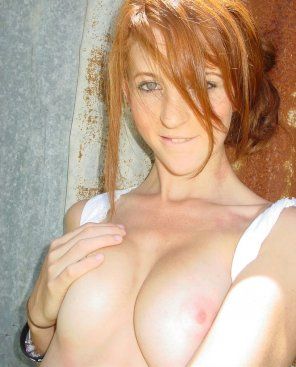 amateur photo pale but hot