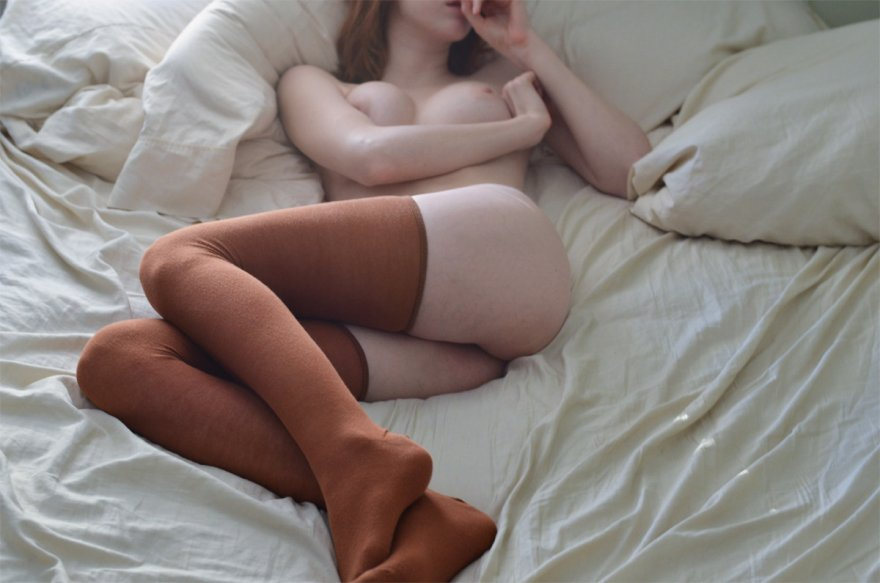 Pale in brown Porn Photo