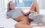 amateur photo Hollie Mack, Bunny time