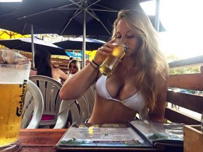 amateur photo Picturebeer and boobs
