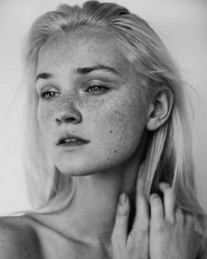 amateur photo Alexa Reynen - wow!