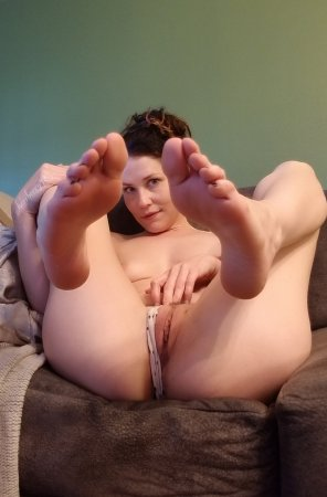 Amateur Photo Does Anyone Here Like Feet And Pussy F 37