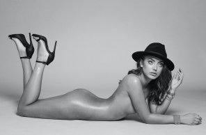 amateur photo Hat & Heels