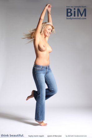 amateur photo Hayley Marie Coppin topless in jeans