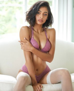 amateur photo Mira Patel