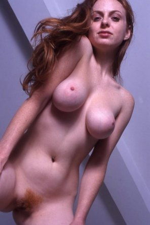 amateur photo Pale babe...