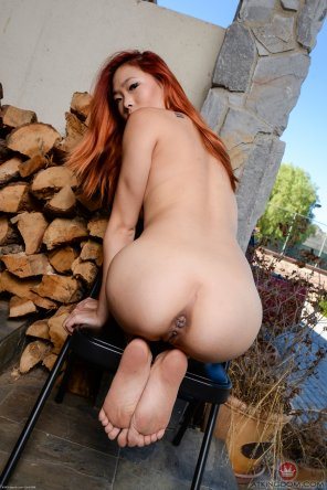 amateur photo Lea Hart and her wrecked butthole