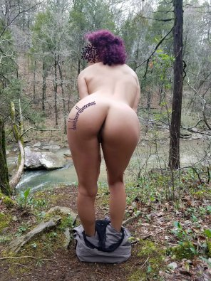 amateur photo Nature hikes can be so relaxing. [f] BAD DRAGON