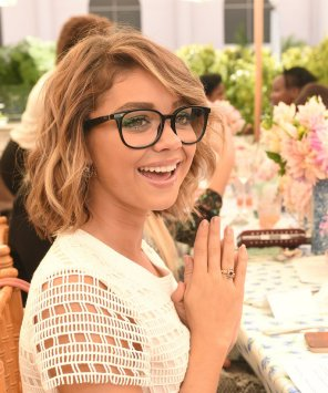 amateur photo Sarah Hyland with glasses