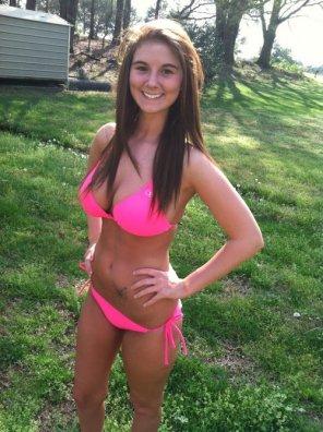 amateur photo Busty bikini brunette