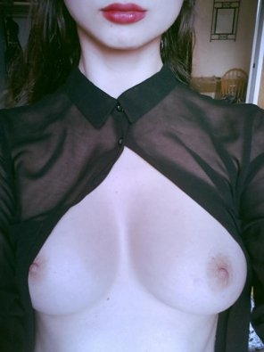 amateur photo Showing boobs