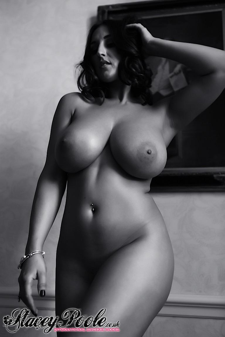 curvy nude black models photo