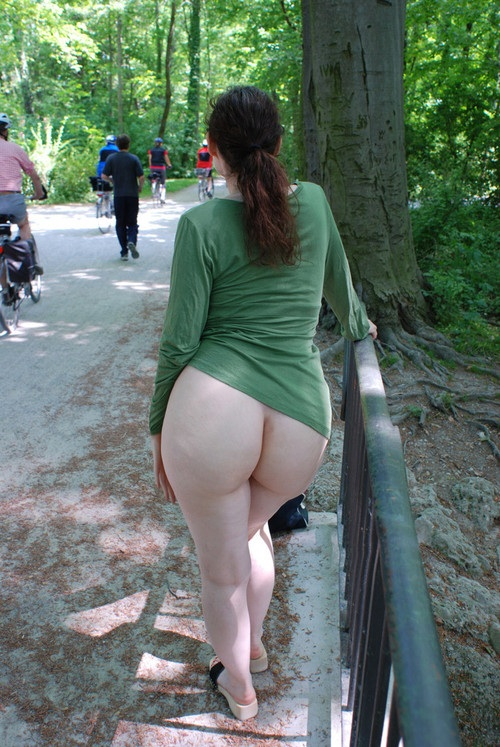 Amateur fuck near by duna river in hungary budapest - 2 part 2