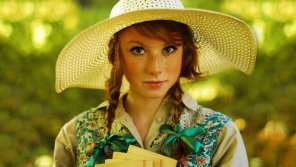 amateur photo Redhead in Straw Hat