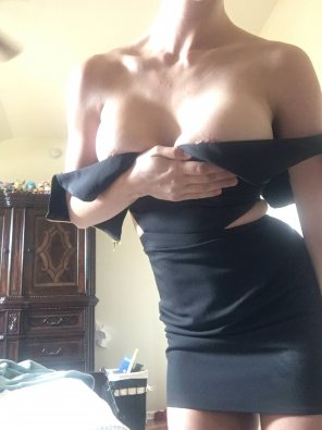 amateur photo Love it when my wi[f]e wears this outfit