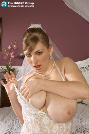 amateur photo Eager for her honeymoon