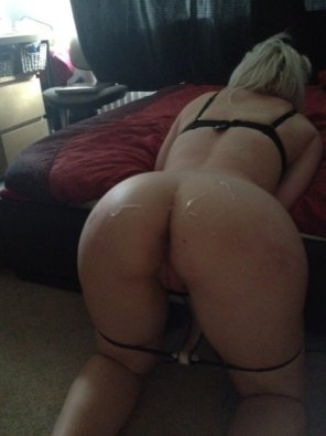amateur photo Cum all over her nice round arse