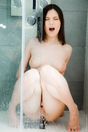 amateur photo Modern shower benefits