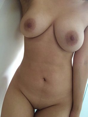 amateur photo hot summer afternoons ;) [21F]