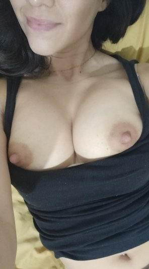 amateur photo Morning tits 😋