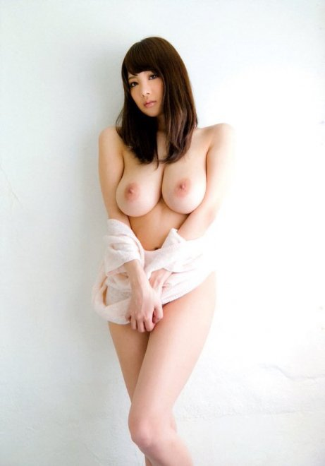 Shy and juicy Porn Photo