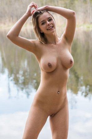 amateur photo Girl enjoying nature