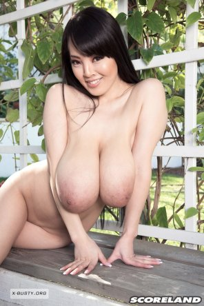 amateur photo Hitomi's Hangers In the Country