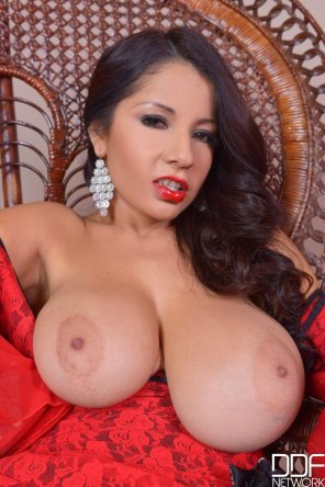 amateur photo Susana Alcala - one boob significantly bigger than the other