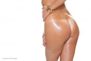 amateur photo Rachel Starr's perfect tanlines