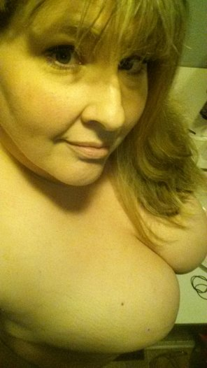 amateur photo Just your naked step-mom! 36/F/NorCal