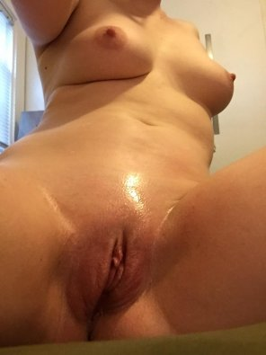 amateur photo [F]reshly shaved and all oiled up 😘💦