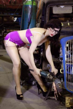 amateur photo Miss Sugar Rush grinds her machinery