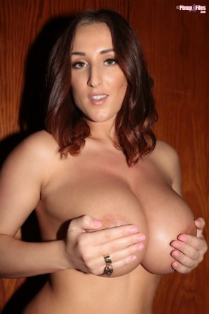 amateur photo Stacey Poole's handbra