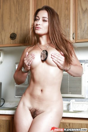 amateur photo Dani Daniels naked in the kitchen