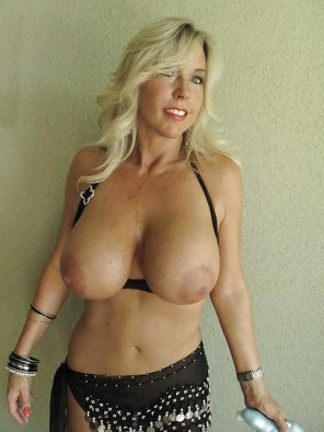 amateur photo Cougar melons