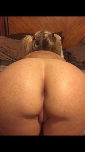 amateur photo Pigtailed and Positioned