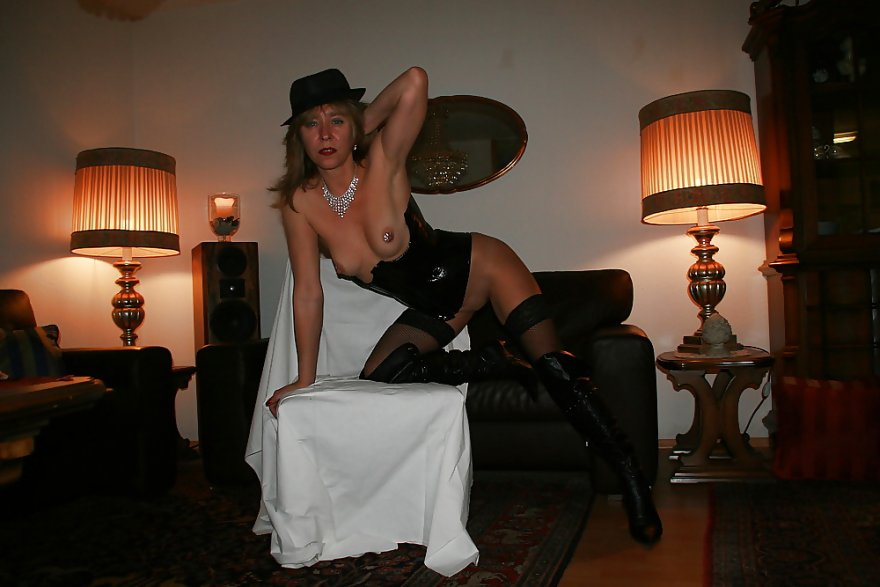 Lady in black Porn Photo