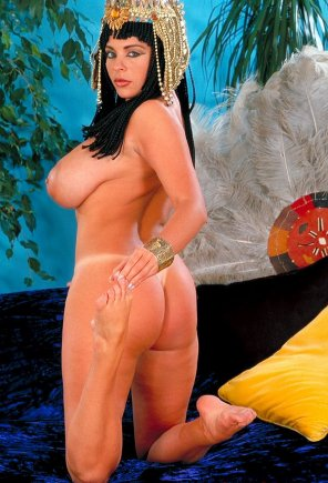 amateur photo Linsey Dawn Mckenzie as a nude queen